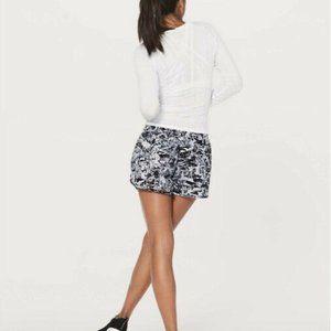 "Lululemon Tracker Short V 4"" Interlaced Alpine White Black / Black Size 12"